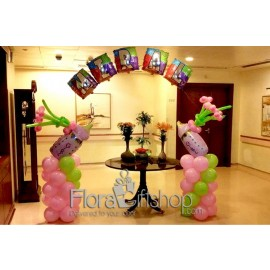 Two baby Feeders Arch Balloons