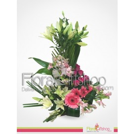 Simple and Fresh Flowers Bouquet